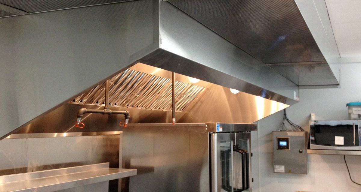 Sistema de Exaustão e Ventilação em Cozinhas Industriais: Conforto Térmico, Qualidade e Segurança